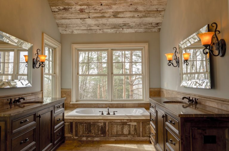 cottage style bathroom image