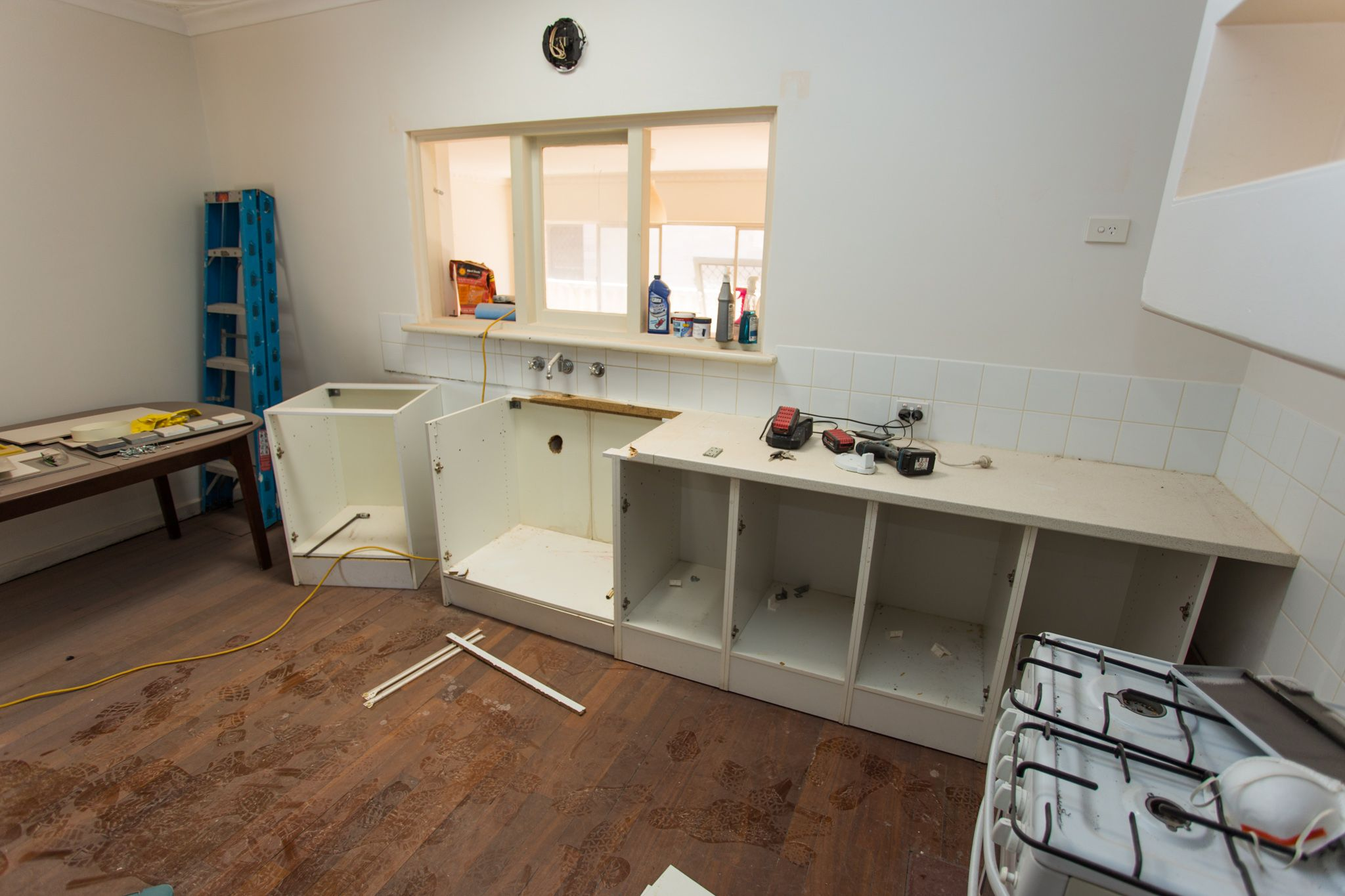 kitchen-renovations-white-gum-valley-before